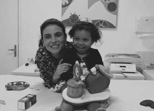Dra Carla Ferreira | Pediatra e Neonatologista